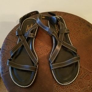 Black donald pliner freddie sandals